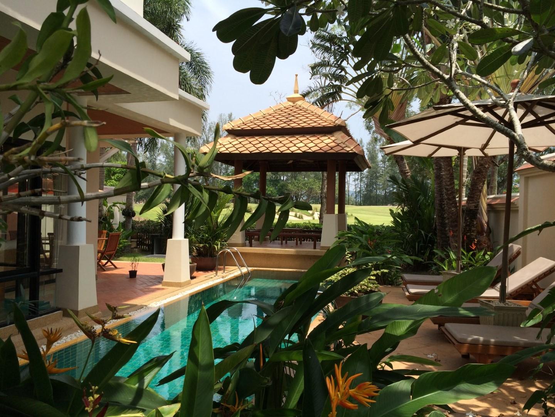 3 BDR Semi-detached Villa in Laguna Fairway For Rent